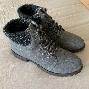 NIB Dirty Laundry Dark Grey Terek Booties